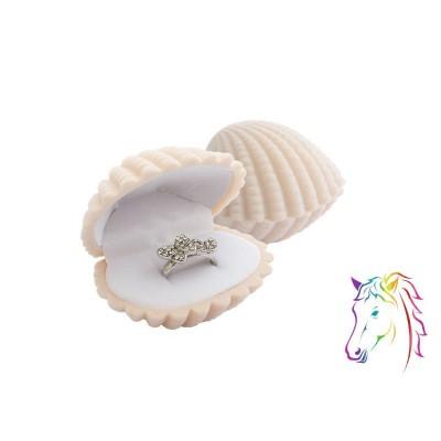 Krém kagyló bársony ékszerdoboz